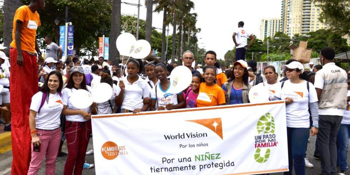 World Vision camina con la iglesia por una crianza con ternura