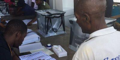 Haití celebra comicios tras un año de crisis
