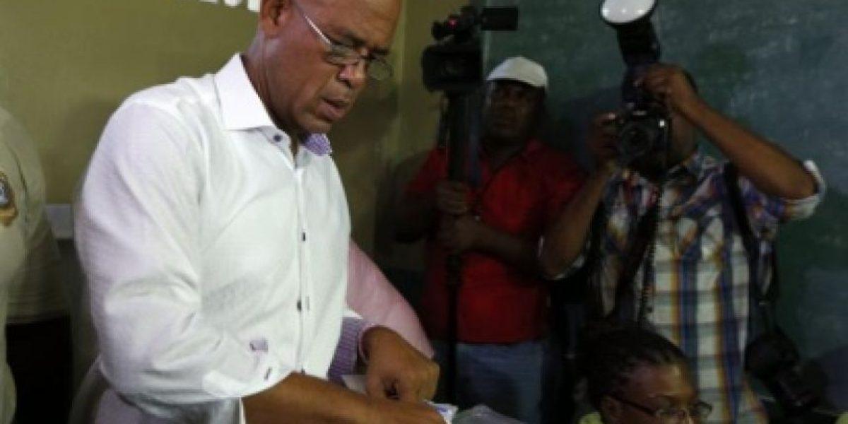 Expresidente haitiano Michel Martelly acude a votar