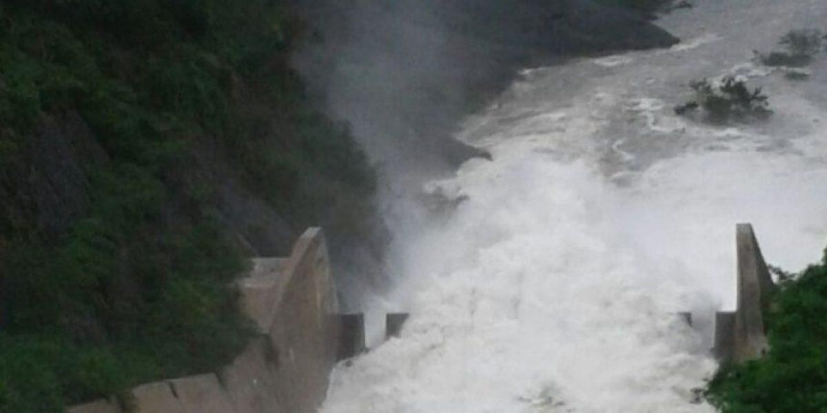 Continúa  desagüe de presa Tavera