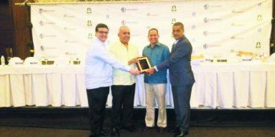 #TeVimos en: Reconocen Cámara de Comercio de Puerto Plata durante congreso de sociedades