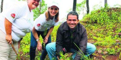 ReforestaSID sembró en La Vega y Monte Plata