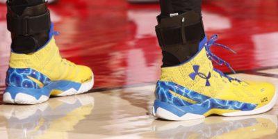 Venta de la zapatilla de Stephen Curry perdió unos 600 millones de dólares