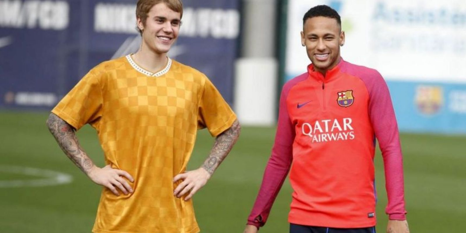 Justin Bieber compartió con su amigo Neymar en el entrenamiento de Barcelona Foto:Twitter FC Barcelona