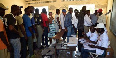 Haití celebró comicios tras un año de crisis