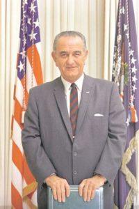 Lyndon Johnson (1963-1969): presidente 36º asumió tras el asesinato de Kennedy. Su fortuna era de US$108 millones