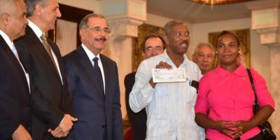 Medina entrega RD$116 millones  a pequeños productores