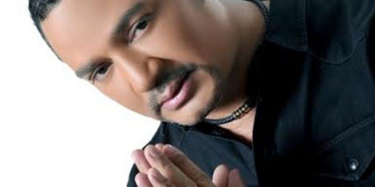 Frank Reyes en concierto en Aruba