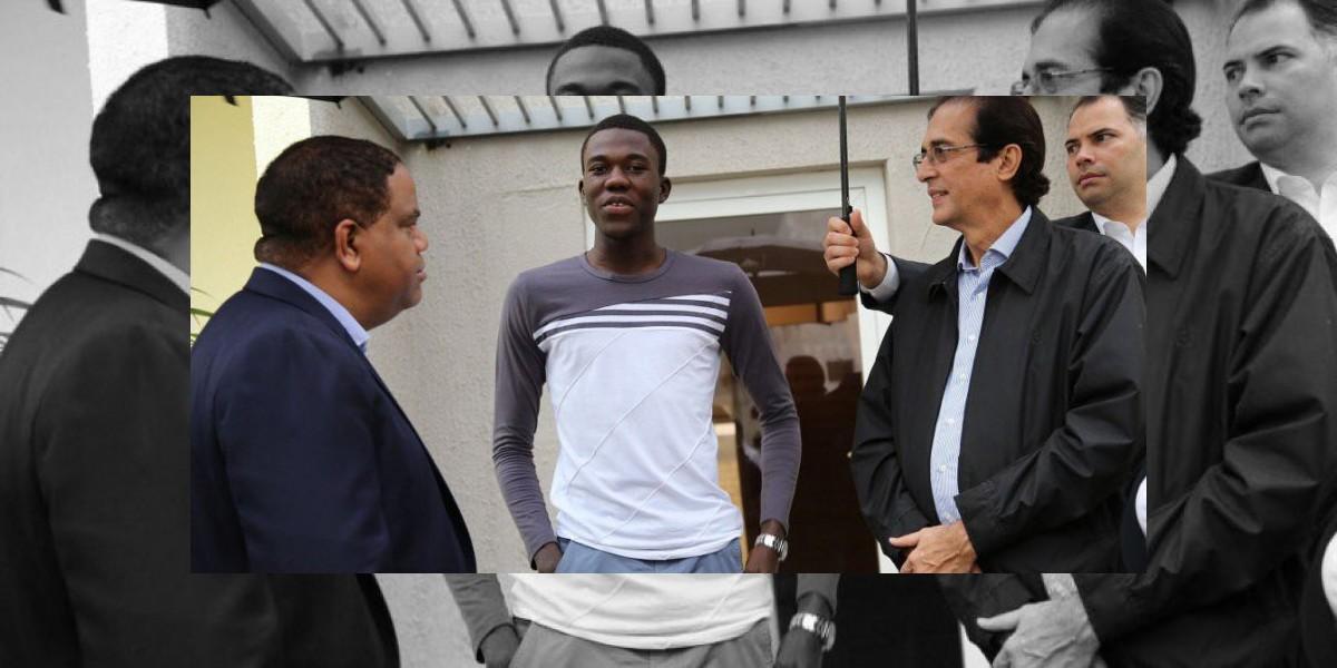 Luisito Pie le dice a funcionarios que siente seguro en Ciudad Juan Bosch