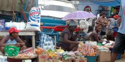 Afirman disminuye movimiento económico en mercado binacional