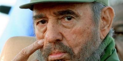 Dominicanos acuden a embajada cubana a expresar condolencias por muerte Fidel Castro
