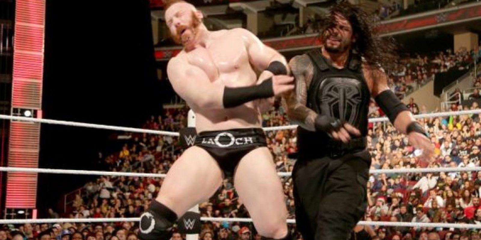 9. Su padre Sika y su hermano Matt también son luchadores profesionales Foto:WWE