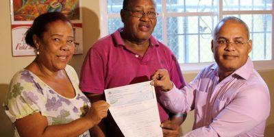 Entregan RD$7 millones a tres comunidades de la región Sur para su desarrollo