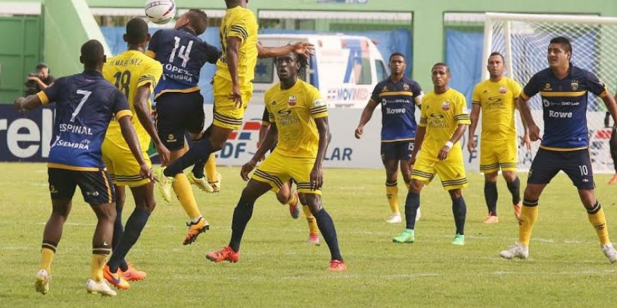 Resultados en Liga Dominicana de Fútbol en inauguración