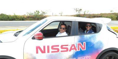 El anuncio del evento se hizo con un recorrido a bordo de los modelos Nissan.