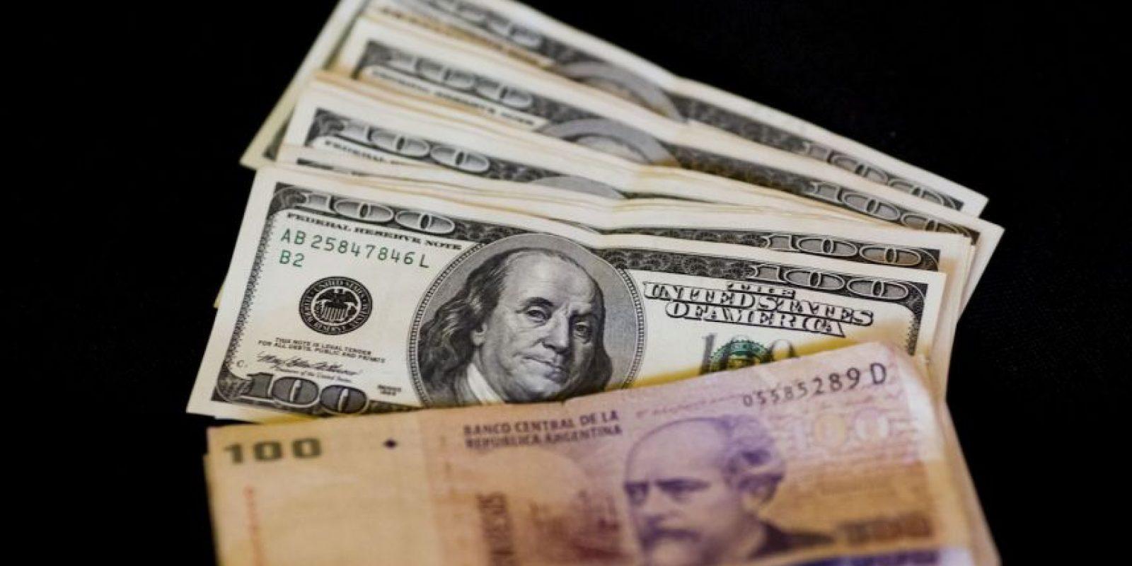 Macri cumplió una de sus principales promesas de campaña: eliminar el cepo al dólar Foto:AP