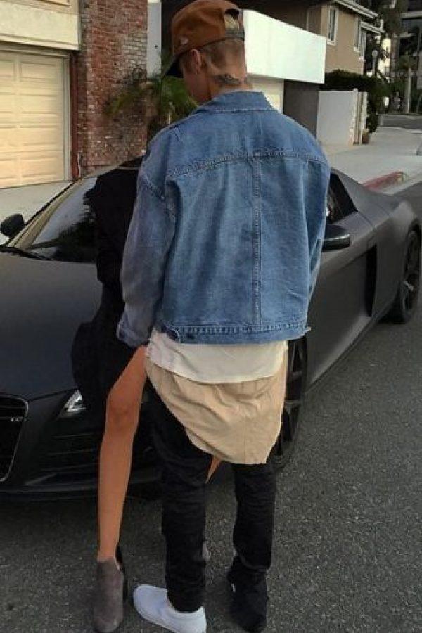 Esta imagen levantó la polémica, ya que algunos medios aseguraron que la chica con la que estaba Justin era Kourtney Kardashian. Foto:Instagram/justinbieber
