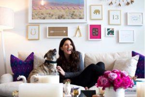 A través de sus redes sociales y sitio web ofrece consejos de moda y belleza. Foto:vía instagram.com/katherineschwarzenegger