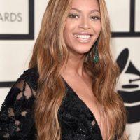 Su escote fue uno de los más atrevidos en la entrega de los premios Grammy. Foto:Getty Images