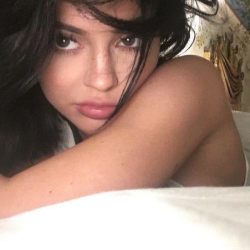 A sus 18 años, la joven es una de las estrellas más polémicas y seguidas en las redes sociales. Foto:vía instagram.com/kyliejenner