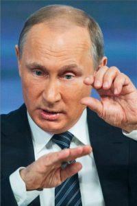 Sobre la prohibición de viajar a Egipto tras el atentado terrorista contra un avión ruso, Putin señaló que continuará hasta que haya garantías de seguridad Foto:AP