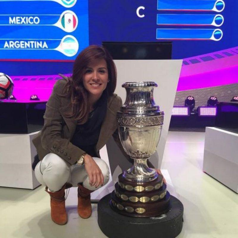 Será presentadora del sorteo de la Copa América. Foto:Vía instagram.com/adriana.monsalve