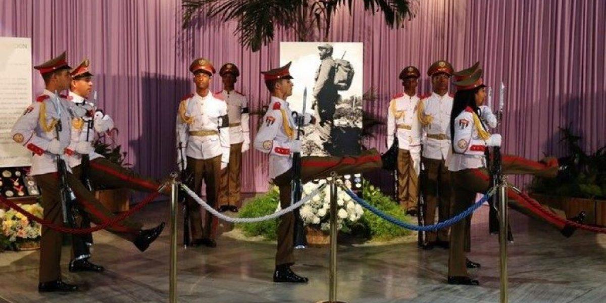 Las cenizas de Fidel Castro emprenden viaje desde La Habana hasta Santiago