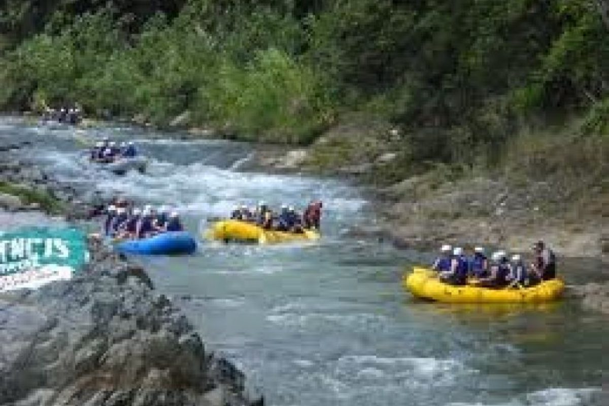 fuente externaVive una experiencia extrema haciendo rafting. Foto: fuente externa