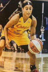 La guardia juega para el Tulsa Shock de la WNBA Foto:Vía instagram.com/skydigg4