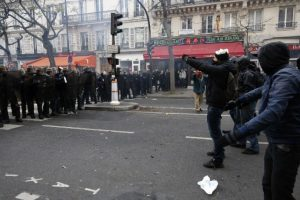 Así se vivieron las protestas contra la Cumbre del Cambio Climático COP 21 Foto:AFP