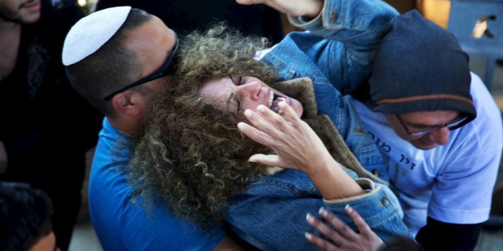 Madre de un joven israelí de 18 años que fue asesinado a cuchillazos en un enfrentamiento con palestinos. Foto:AFP