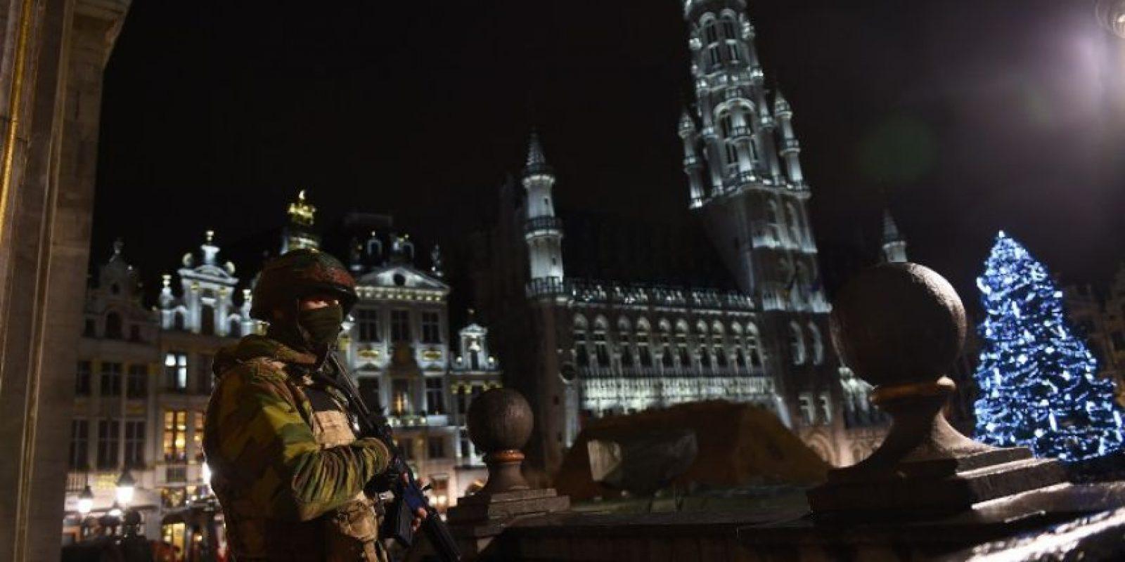 Bélgica esta en búsqueda de dos terroristas prófugos vinculados con los atentados en París Foto:AFP