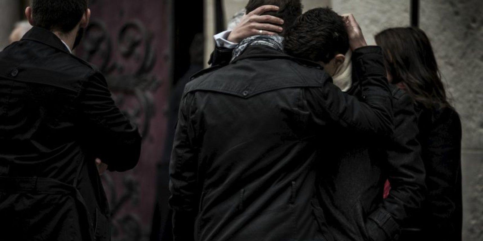 Funeral de una de las víctimas de los atentados terroristas de París. Foto:AFP