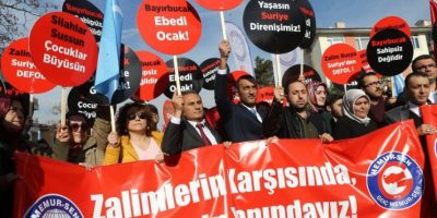 En Turquía existen una serie de manifestaciones contra las actividades militares rusas en Siria Foto:AFP