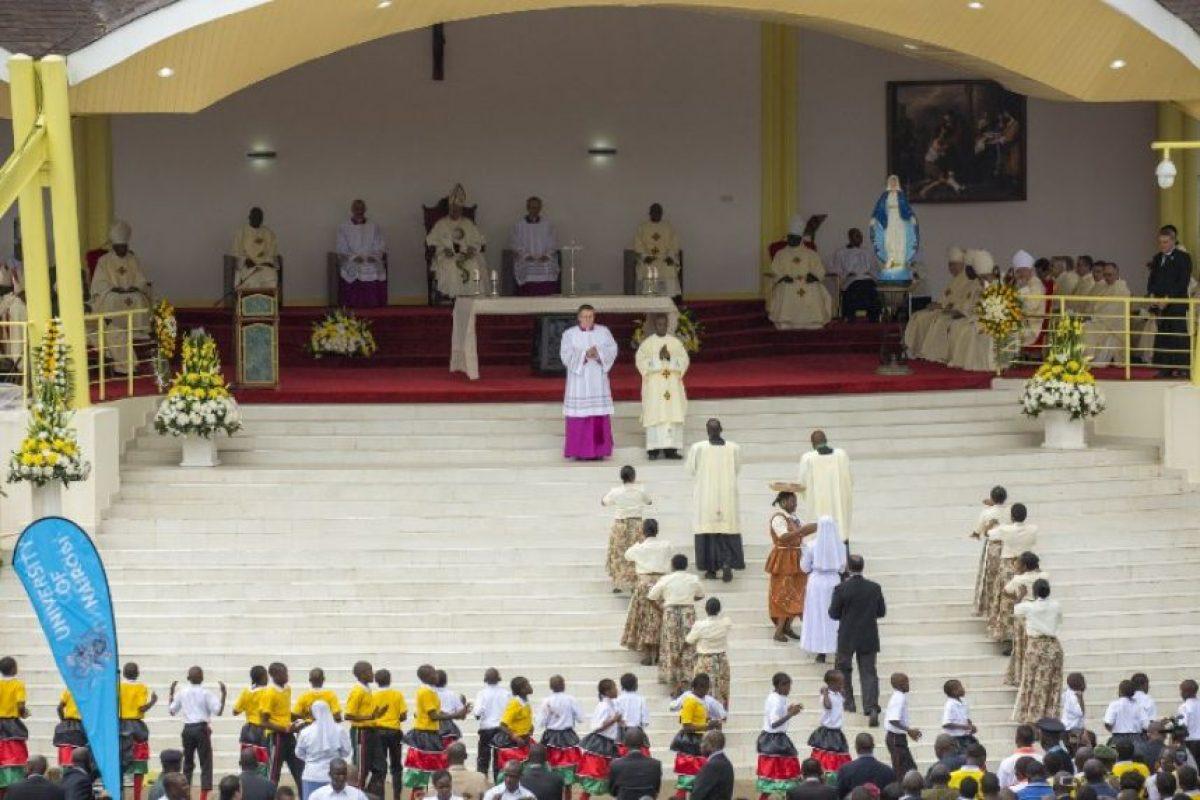 Durante la ceremonia cayó una intensa lluvia. Foto:AFP