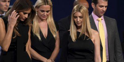 Trump estuvo acompañado por su esposa y sus hijos Foto:AFP