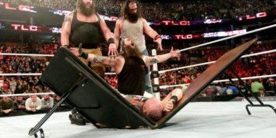 Así celebró Bray Wyatt el triunfo de su equipo. Foto:WWE
