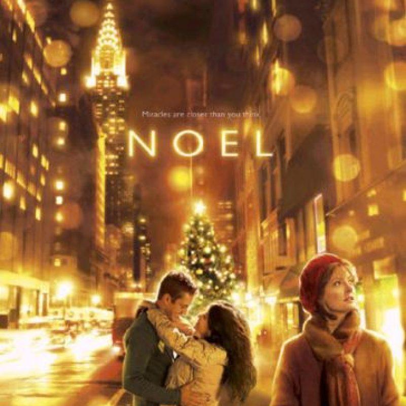 La película gira en torno a cinco personajes, cuyas vidas se cruzan en una serie de eventos inesperados que suceden en la víspera de Navidad. Foto:Al Corley / Convex Group