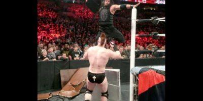 En la lucha estelar Foto:WWE