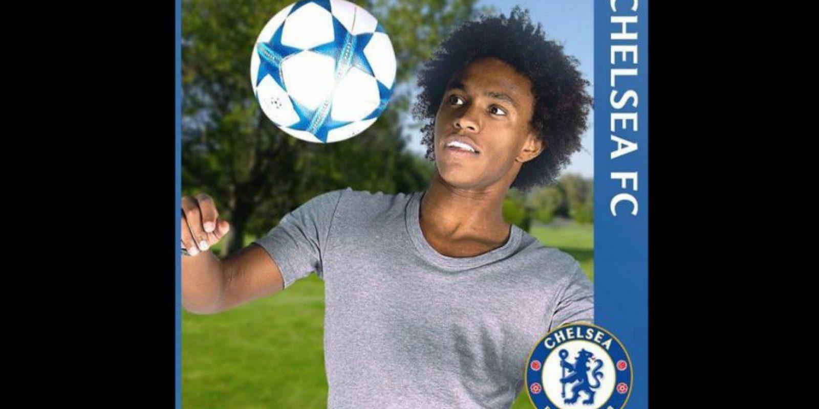 El futbolista brasileño Willian puso su foto de perfil con los colores del Chelsea. Foto:Vía facebook.com/ChelseaFC