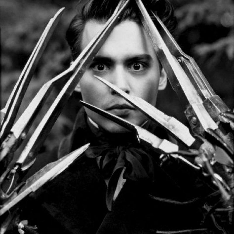 22. 20th Century Fox temía que la apariencia de Edward fuera demasiada extraña para el público. En la actualidad, el personaje es considerado un ícono de la cultura dark. Foto:20th Century Fox