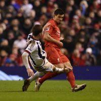 Dejan Lovren, jugador croata del Liverpool, recibió una durísima patada. Foto:Getty Images
