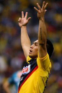 El futbolista paraguayo fue baleado el 25 de enero de 2010 en un bar de la Ciudad de México, lugar donde vivía Cabañas por ser jugador del América, el equipo más popular de este país. Foto:Getty Images