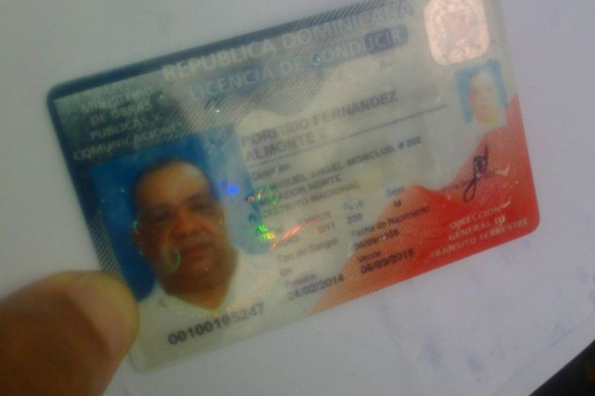 Licencia de conducir de Porfirio Almonte Foto:Fuente Externa