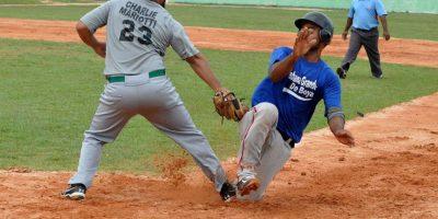 Sabana le gana dos veces a Peralvillo en IX Torneo de Béisbol doble A de Monte Plata