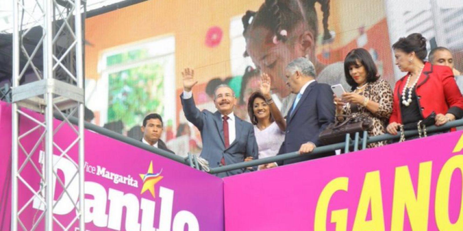 El presidente Medina celebrando el triunfo del PLD Foto:Fuente Externa