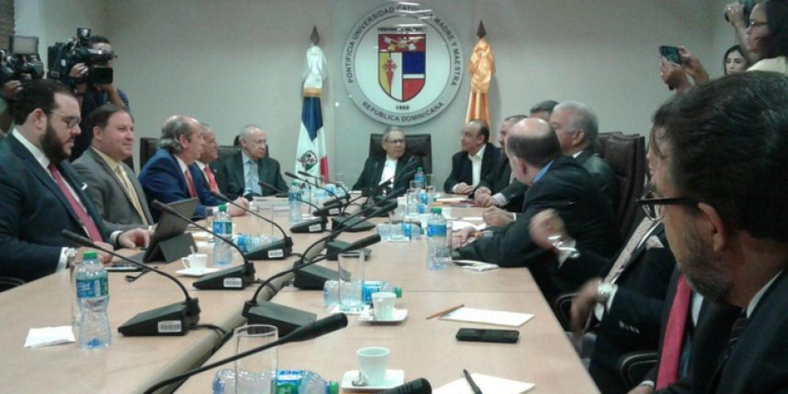Reunión del diálogo entre los partidos políticos para llegar a un consenso para la aprobación de una ley de partidos Foto:Fuente Externa