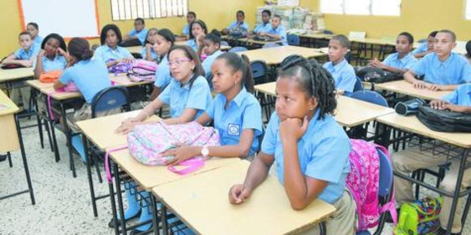 El Gobierno proyecta llevar todos los estudiantes de escuelas públicas a tanta extendida. Foto:Mario de peña
