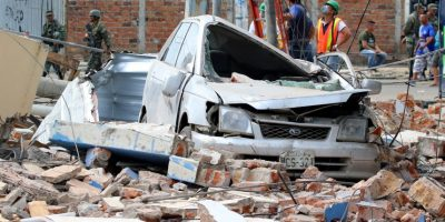 La devastación en una zona de edificios después de un terremoto. Foto:Getty