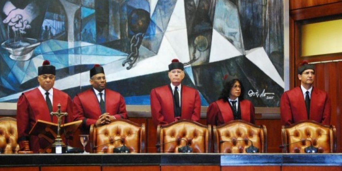 Tribunal Constitucional debe ser solo de tres jueces, según PRSC